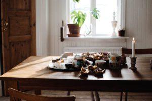 Scones med hallon och kardemumma