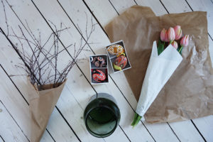 Finast i veckan; en somrig sallad, finfina bröllopsinbjudningar och en krans av hägg