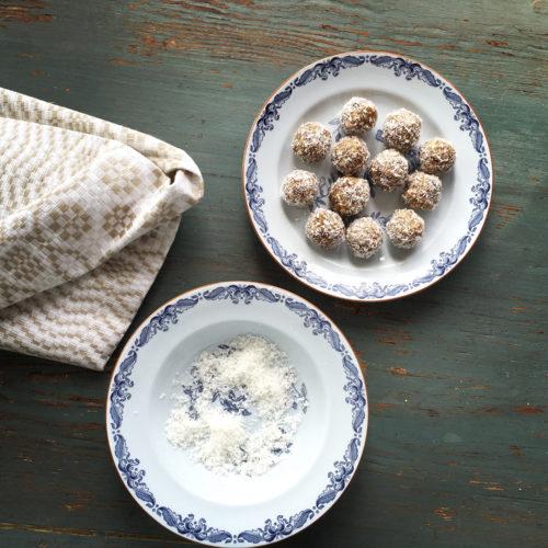 Finast i veckan; rabarberlemonad, keramik och rawbollar med citron och lakrits