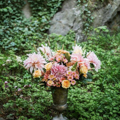 DIY – gör en vacker blomsterdekoration med tejpmetoden