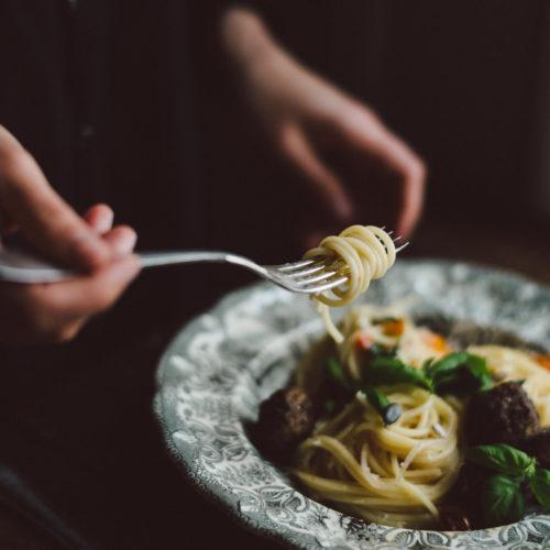One pot pasta med svampbollar
