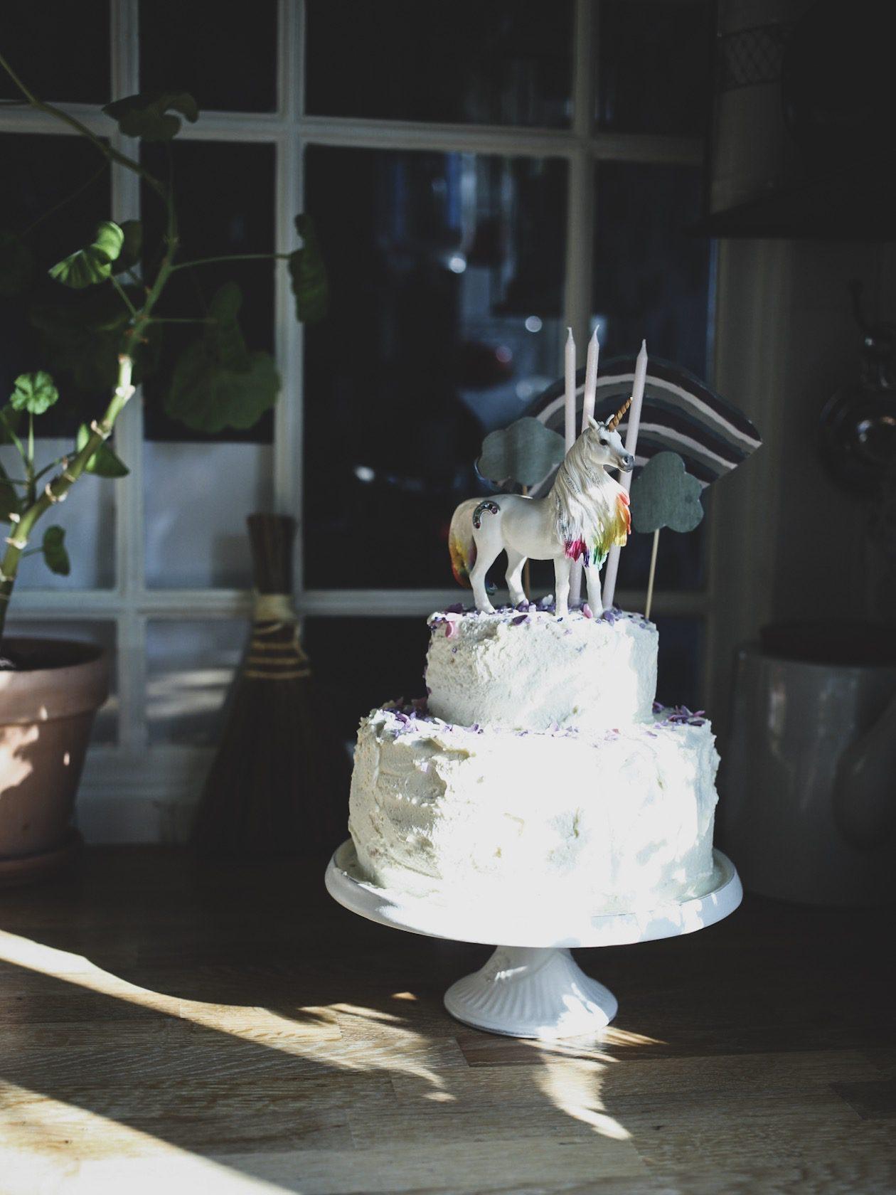 lovely life barnkalas tårta enhörning