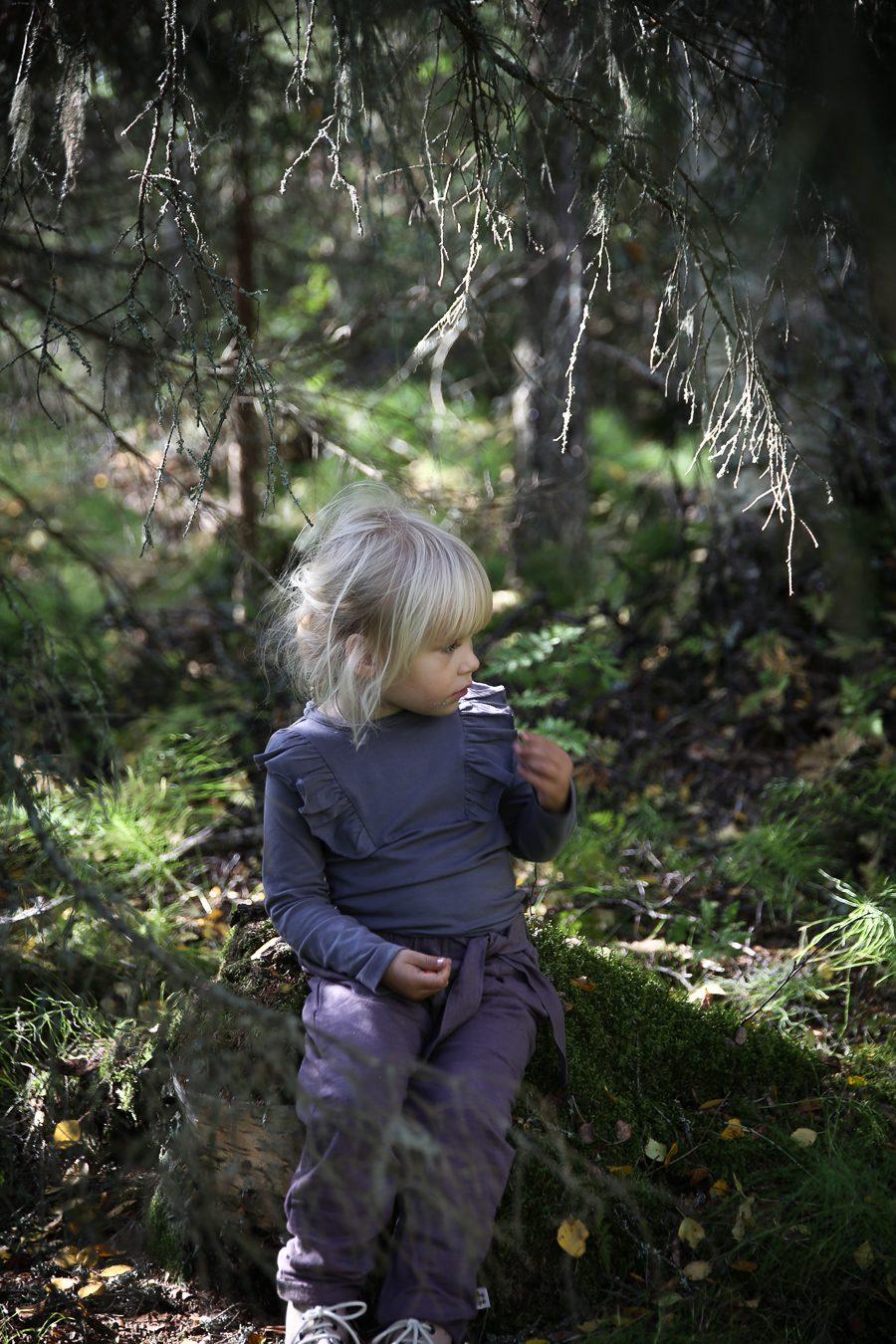 viktoria.holmgren.lovely.life.skogen.julie
