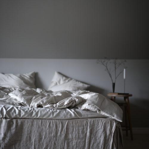 Fotar sängkläder och blir kär i sovrummet