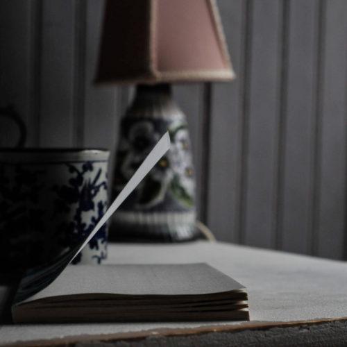 """""""Det är det rum vid vars tröskel tystnaden börjar"""""""