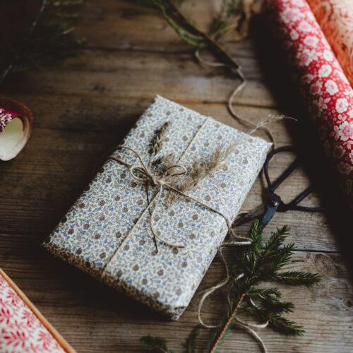 Var med i julkalendern på Lovely life och vinn våra fina papper!