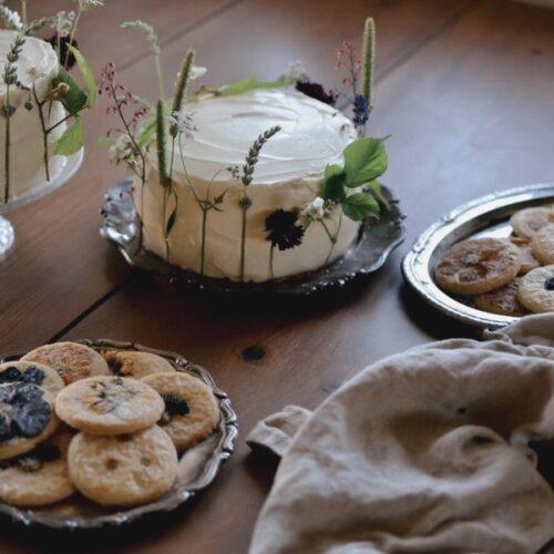 Recept på blommiga tårtor och blomsterkakor