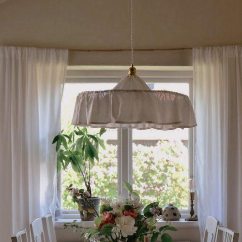 """DIY: Den klassiska """"Carl Larsson""""-lampan"""