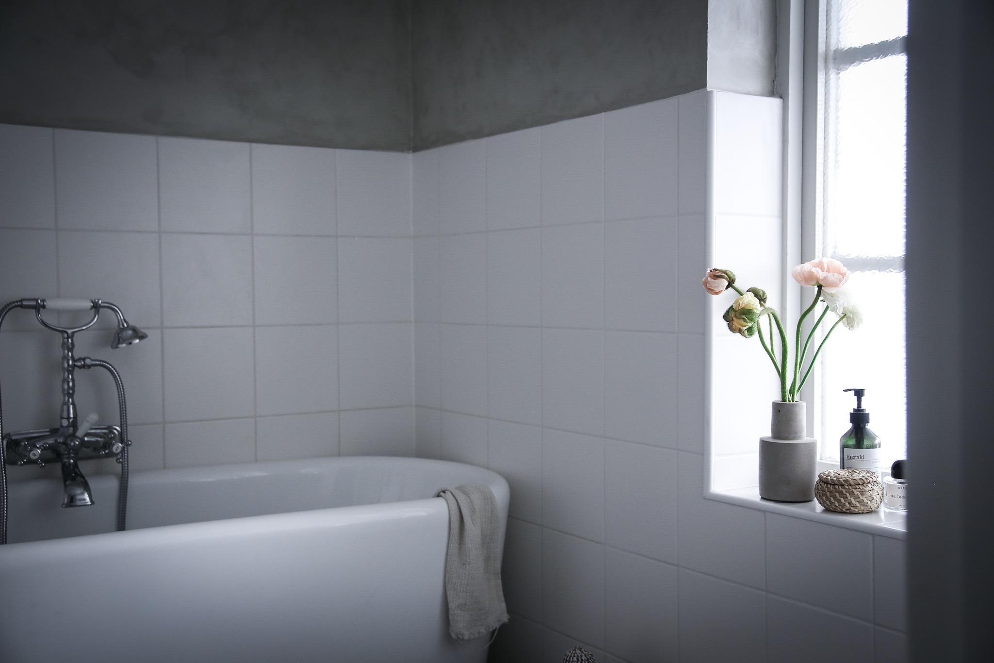 badrummet lovely life. Black Bedroom Furniture Sets. Home Design Ideas