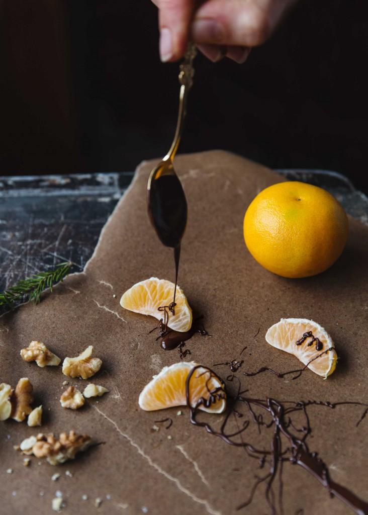 chokladdoppade clementiner med valnötter och havssalt