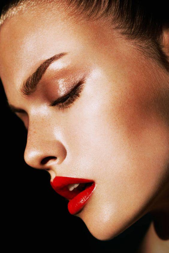 lipstick.red.bronze.gold.eyeshadow.290116