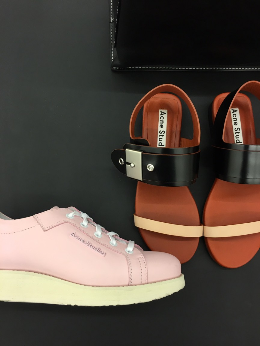 acneshoes241216