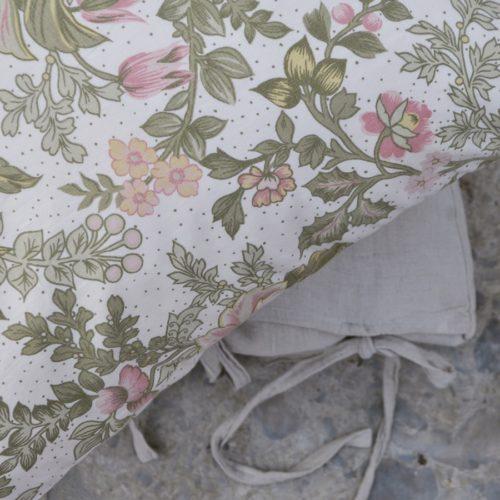 En kudde av ett vintagetyg
