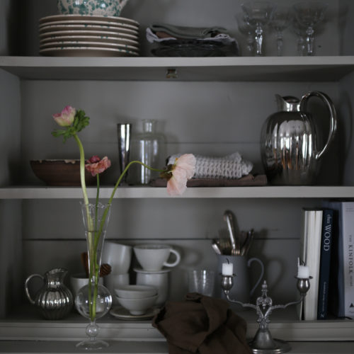 Nymålat skåp i köket