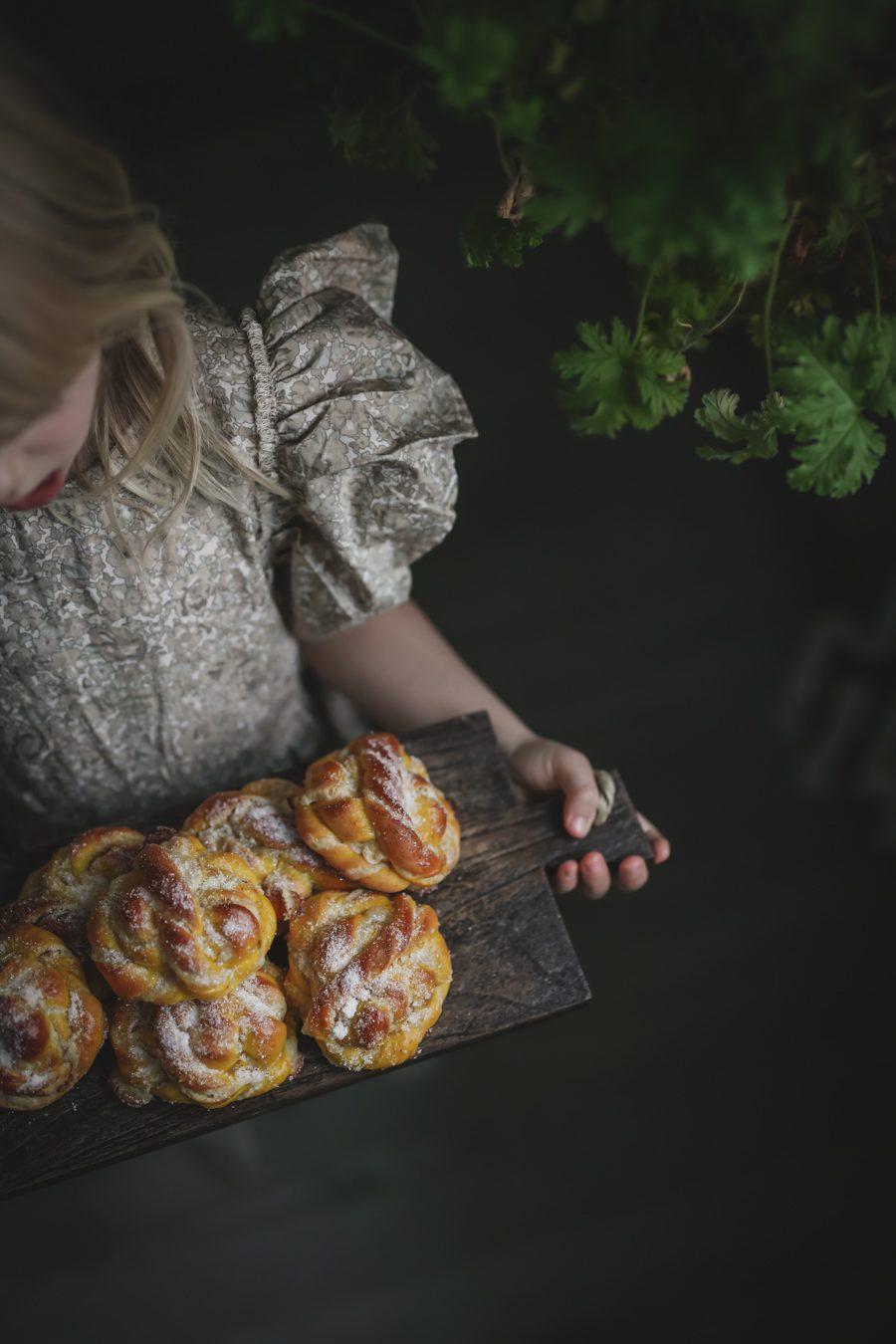 viktoria.holmgren.kitchen.aid.lussebullar