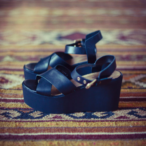 Flatforms (a love story)