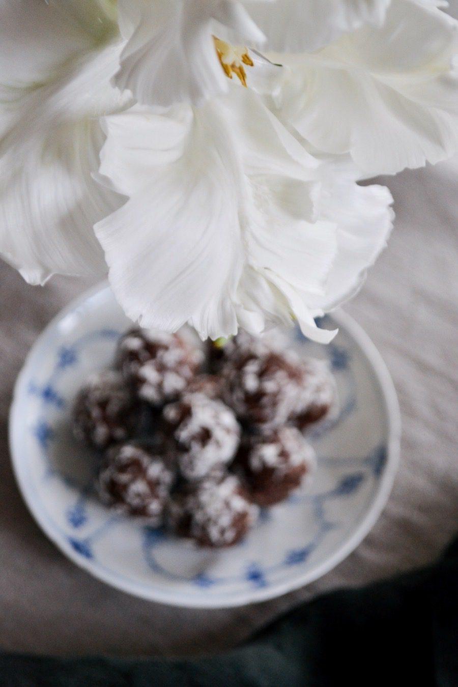 Raw_chokladbollar01