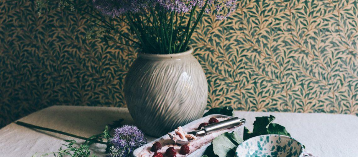 rabarber och jordgubbsglass med kondenserad mjolk volang lovely life-5