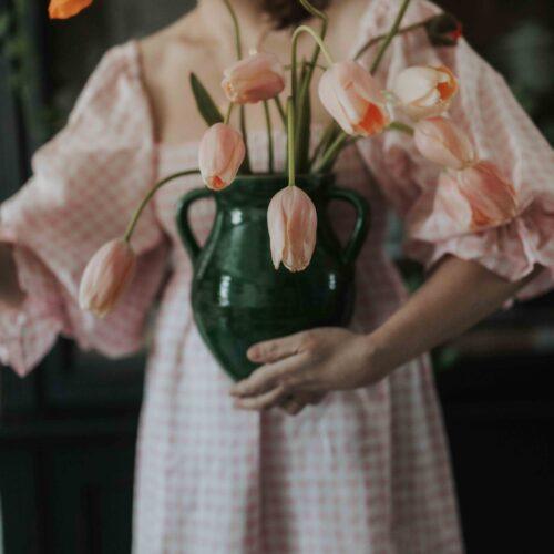 Puffklänning och franska tulpaner