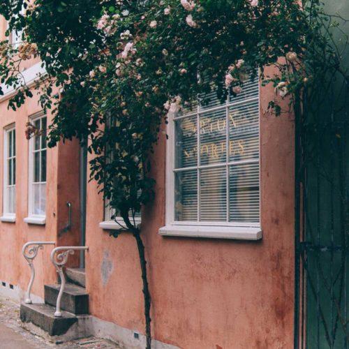 Dag 1 i Köpenhamn med bubble tea, fika på Larsbjörnsstrasse och besök på Stilleben DK